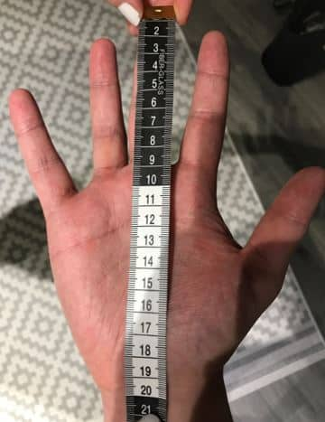 How to measure your hands for batting gloves