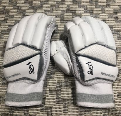 The Kookaburra Ghost 4.2 Batting Gloves